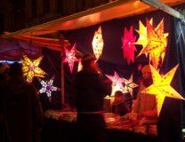 Sternlampem auf dem Adventsoekomarkt GRUENE LIGA Berlin