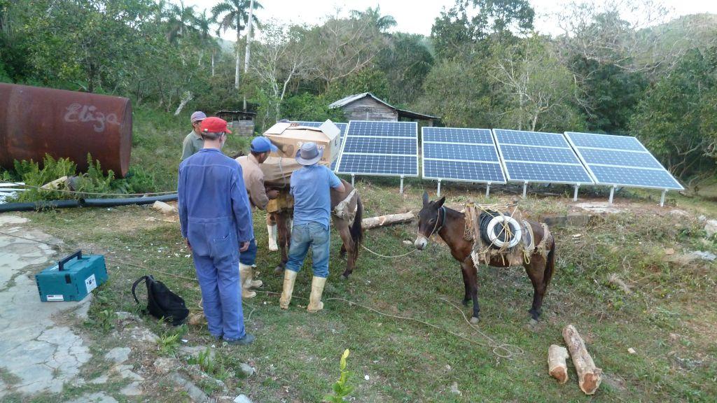 Solarpaneele eines Projekts des Berliner Vereins KarEn e.V. in Kuba